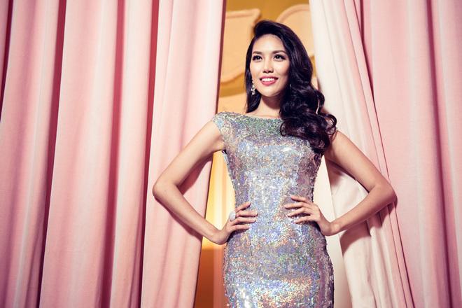 Váy dạ hội của Lan Khuê tại chung kết Miss World