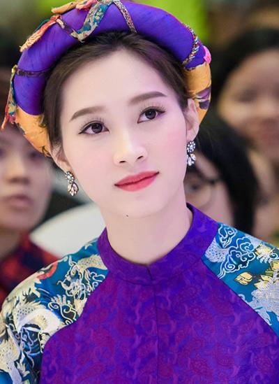 10-my-nhan-trang-diem-dep-nam-2015-2