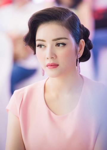 10-my-nhan-trang-diem-dep-nam-2015-8