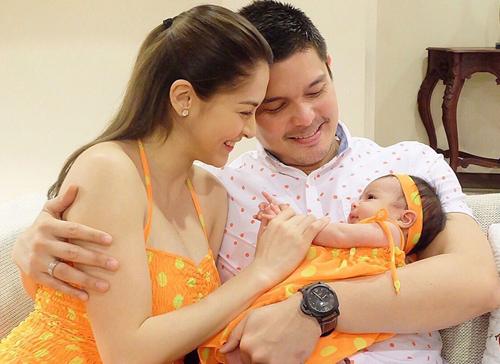 Khoảnh khắc ngọt ngào của gia đình 'Mỹ nhân đẹp nhất Philippines'