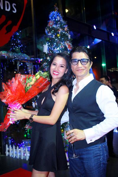 Dustin Nguyễn - Bebe Phạm tình tứ trong đêm tiệc