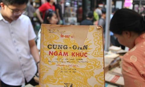 Đường sách Nguyễn Văn Bình - 'thiên đường' cho dân săn sách cũ