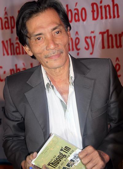 Diễn viên Thương Tín tại buổi giao lưu ngày 19/12 ở TP HCM.