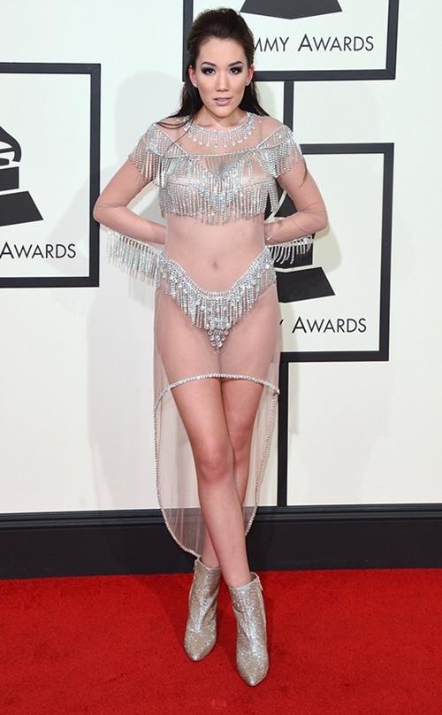 Những kiểu mặc phản cảm ở Grammy 2016
