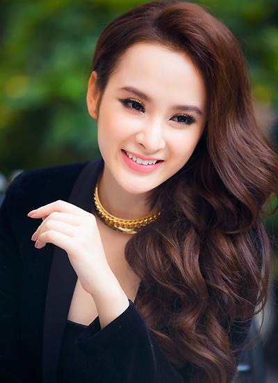 angela-phuong-trinh-4-7261-1456226299.jp
