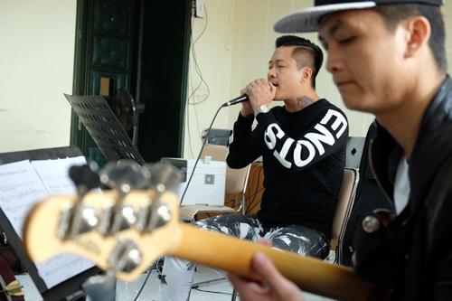 tuan-hung-huy-20-show-dien-de-don-suc-cho-dem-nhac-rieng-5