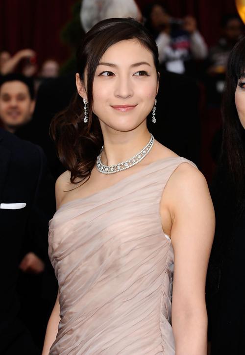 Những mỹ nhân châu Á chưng diện trên thảm đỏ Oscar