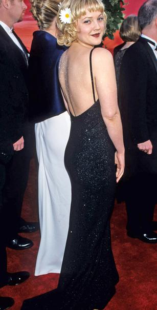 Trang phục hở lưng táo bạo của sao trên thảm đỏ Oscar