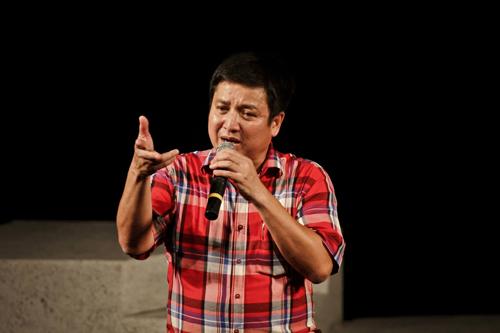 Chí Trung muốn thắp một que diêm hy vọng cho sân khấu