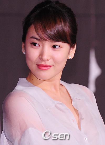 bien-doi-nhan-sac-cua-song-hye-kyo-qua-20-nam-4