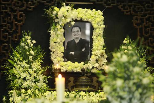 Gia đình, bạn bè tiễn biệt nhạc sĩ Thanh Tùng