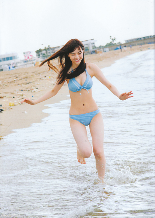 Loạt người đẹp Nhật Bản khoe dáng với bikini