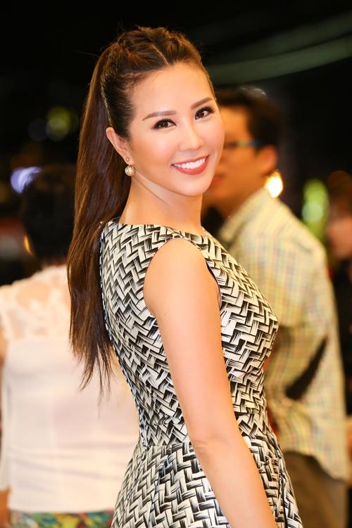 Sau khi chia tay người bạn đời, hoa hậu Thu Hoài sống cuộc sống độc thân và miệt mài với công việc kinh doanh ngày càng phát đạt của mình.