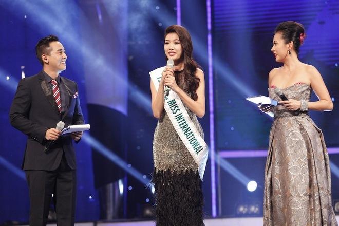 Hứa Vĩ Văn, Việt Hà mắc nhiều lỗi khi dẫn 'Hoa khôi Áo dài'