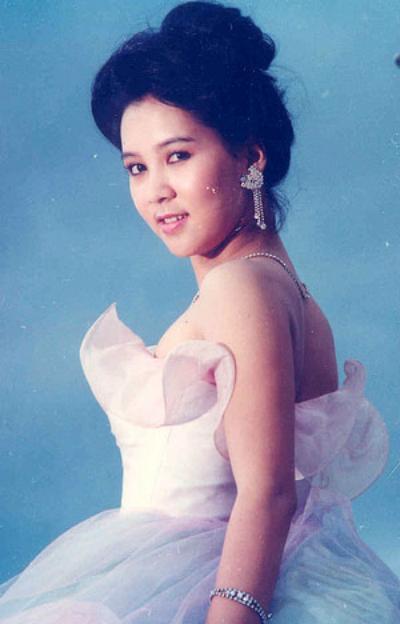 nhan-sac-mong-van-qua-thoi-gian-2