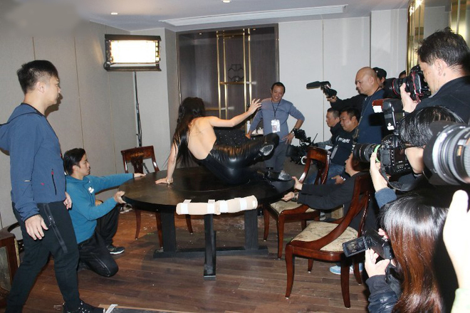 'Bom sex' xứ Hàn đóng phim cùng Cổ Thiên Lạc