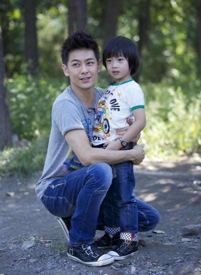 Trung Quốc cấm phát 'Bố ơi mình đi đâu thế', siết chặt giới giải trí