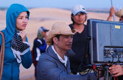 Dustin Nguyễn: 'Không có vợ bên cạnh, tôi khó làm được gì'