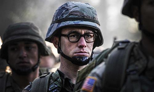 Joseph Gordon-Levitt hóa điệp viên bị quay lén cảnh nóng trong 'Snowden'