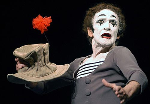 ghệ sĩ kịch câm đại vĩ đại Marcel Marceau (1923-2007) người Pháp,
