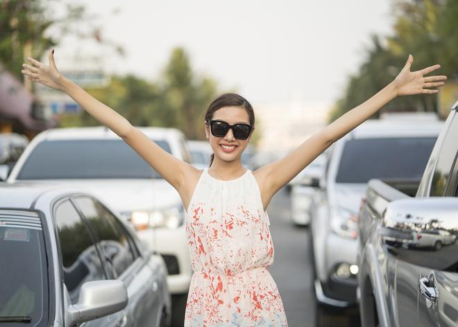 Thúy Vân đi du lịch cùng Hoa hậu Singapore và Thái Lan