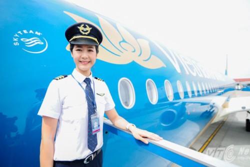 Cô là cơ trưởng đầu tiên của Việt nam, cũng là một trong những gương mặt nữ phi công nổi bật nhất của Việtnam Airlines hiện nay.