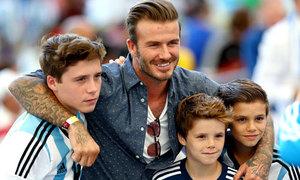 Các con nhà David và Victoria Beckham ngày ấy, bây giờ