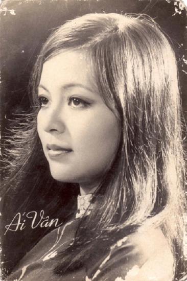 nhan-sac-ai-van-qua-thoi-gian-10