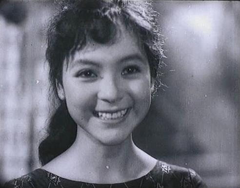 nhan-sac-ai-van-qua-thoi-gian-2