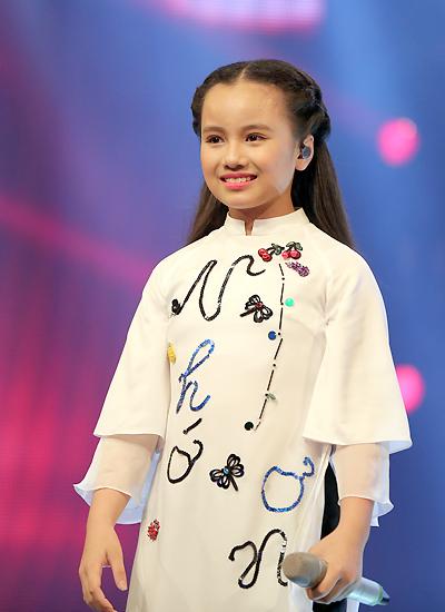 Khánh Linh xinh đẹp và hát hay. Ảnh: Maison De Bil.