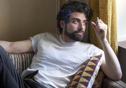 """Hình ảnh nghệ sĩ lãng tử của Oscar Isaac trong phim """"Inside Llewyn Davis""""."""