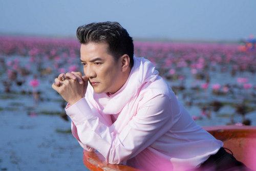 Sau khi Thanh Tùng qua đời, Đàm Vĩnh Hưng tham gia các đêm nhạc tưởng nhớ vị nhạc sĩ tài hoa. Ảnh: Thành Nguyễn.