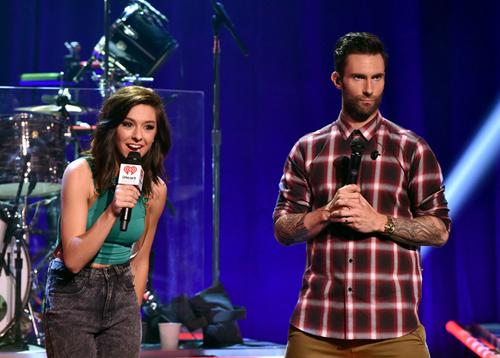 Adam Levine sốc khi nghe tin học trò tại The Voice bị bắn chết