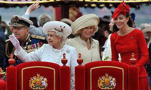 Những sự cố trang phục của Công nương Anh