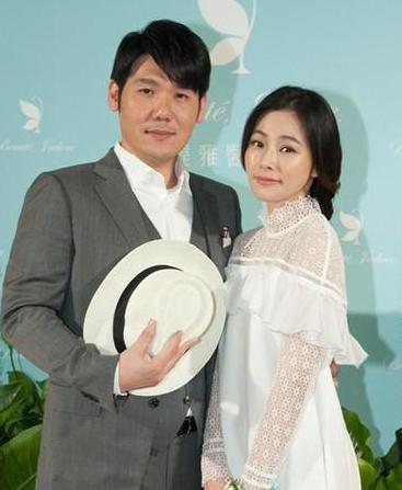 my-nhan-hoa-oai-huong-sua-soan-ket-hon