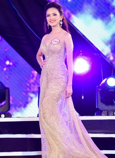 Cô gái từng gặp Tổng thống Obama vào chung kết Hoa hậu Việt Nam