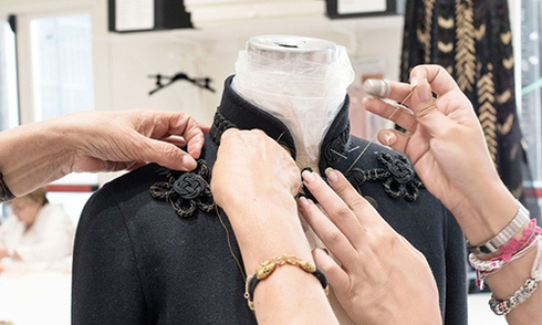 Váy áo cao cấp của Valentino được làm thế nào
