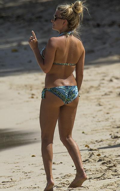 hoa-hau-sex-tren-truyen-hinh-tha-dang-voi-bikini-2