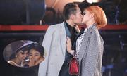 Thanh Hằng cười thẹn nhìn thí sinh Next Top hôn nhau