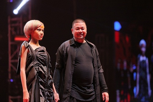 trinh-dien-toc-nghe-thuat-tai-color-zoom-hairshow-2