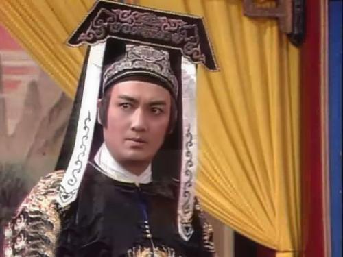 dan-nam-dien-vien-vang-bong-mot-thoi-cua-bao-thanh-thien-1993-2