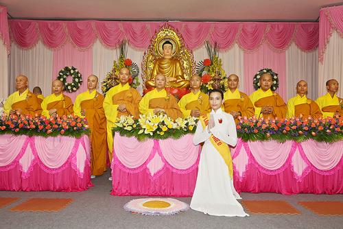 Hàng ngày Trương Thị May còn tập hành thiền và lễ Phật tại nhà với mong muốn sám hối những lỗi lầm mà hàng ngày mình vô tình tạo nên cho chúng sinh, cho người khác. Thi thoảng cô lại cùng gia đình lên chùa nghe sư phụ giảng pháp và làm công quả.