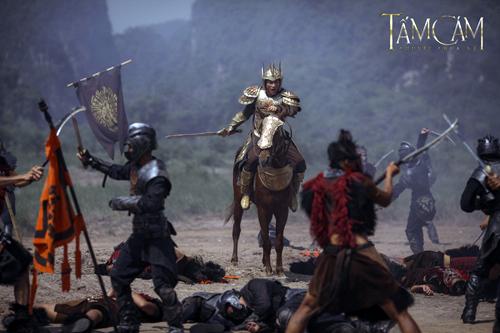 Về cuối giai đoạn quay phim, đoàn phim chỉ đủ kinh phí thuê một chú ngựa và