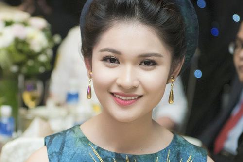 Huỳnh Thị Thùy Dung - Á hậu không chơi Facebook - Giải Trí