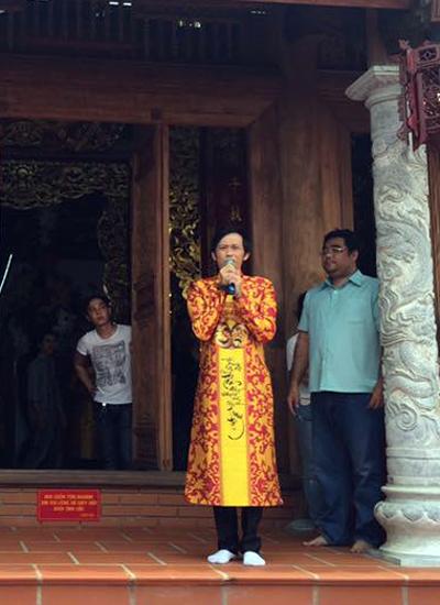 Hoài Linh mở cửa nhà thờ tổ nghề sân khấu