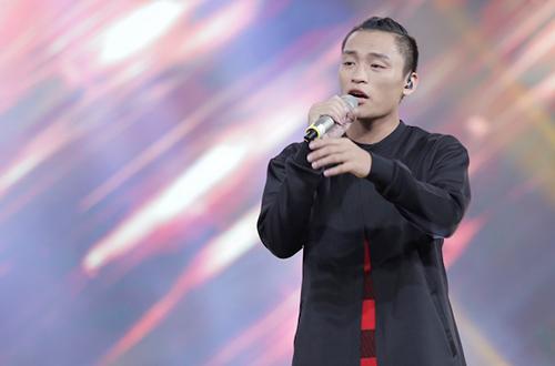 huy-tuan-tat-yeu-nam-thi-sinh-vietnam-idol