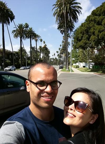 Vợ chồng cô thăm thú khu Beverly Hills