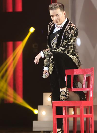 20-bo-do-lap-lanh-cua-dam-vinh-hung-trong-diamond-show-5