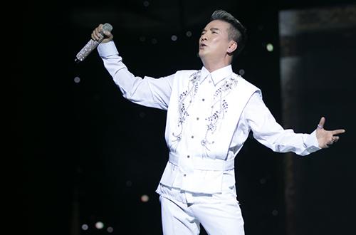 20-bo-do-lap-lanh-cua-dam-vinh-hung-trong-diamond-show-8