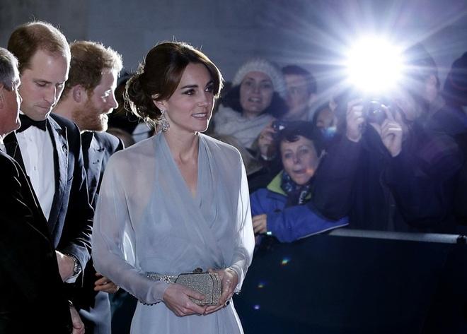 Những chiếc ví hàng hiệu của công nương Kate Middleton